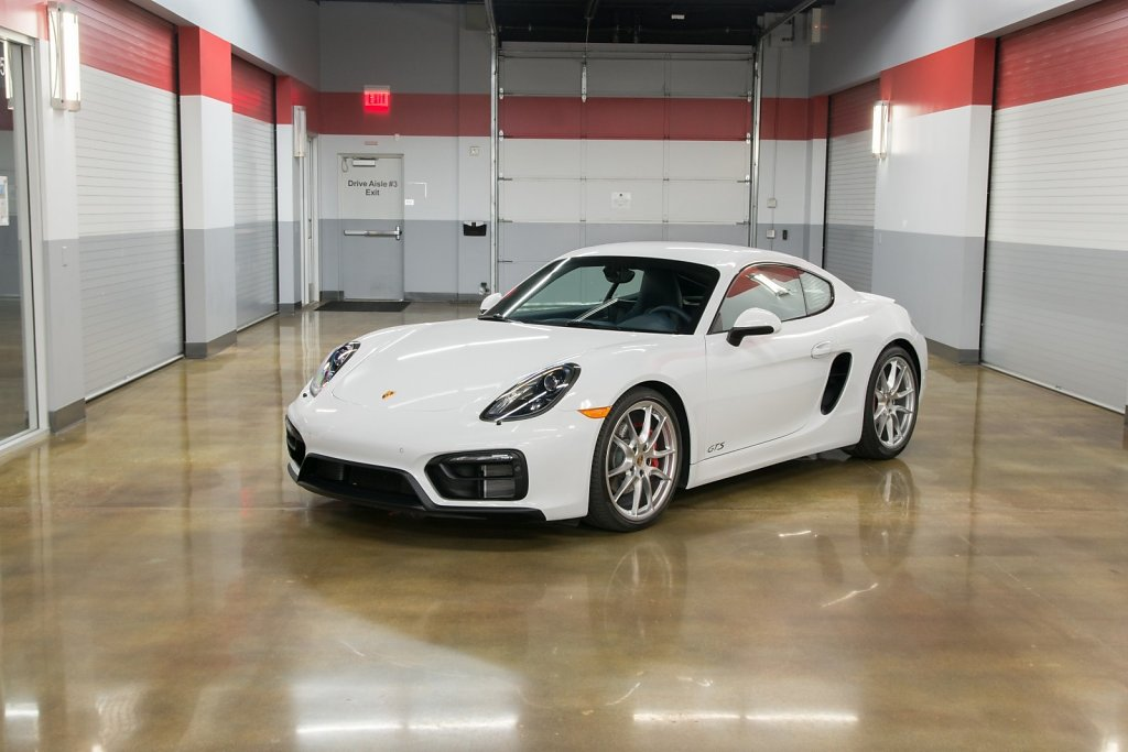 Porsche Cayman GTS rental