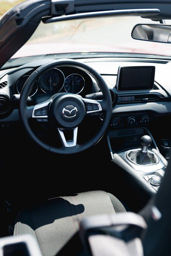 2016 Mazda Miata Rental