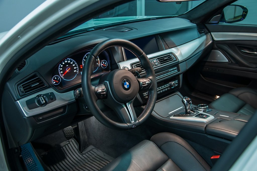Rent-a-BMW-M5-from-Club-Sportiva-2.jpg
