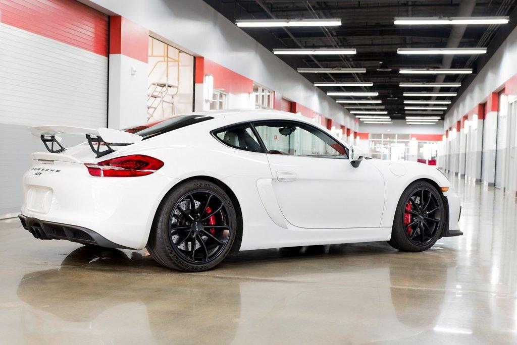 Club-Sportivas-Porsche-Cayman-GT4.jpg