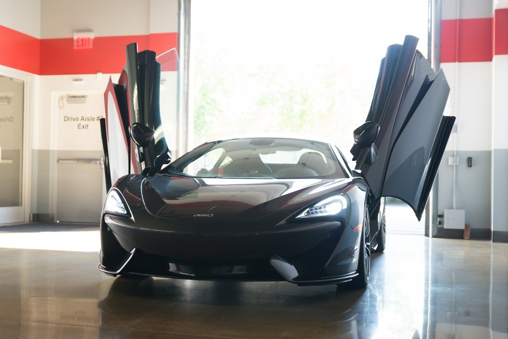 Rent-a-McLaren-570S-from-Club-Sportiva-5.jpg