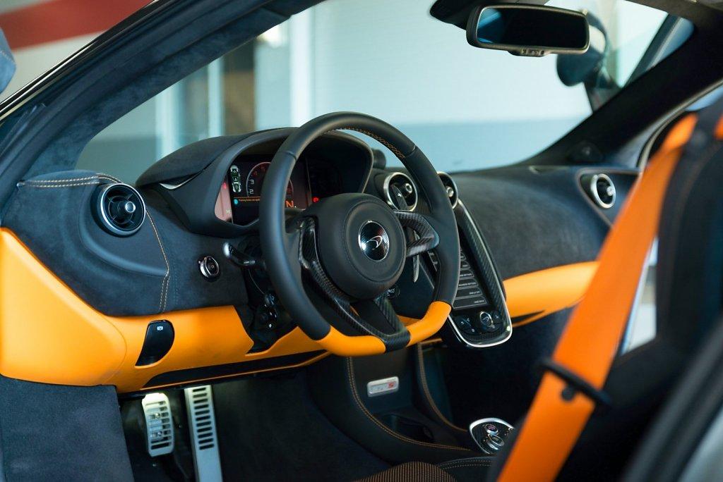 Rent-a-McLaren-570S-from-Club-Sportiva-6.jpg