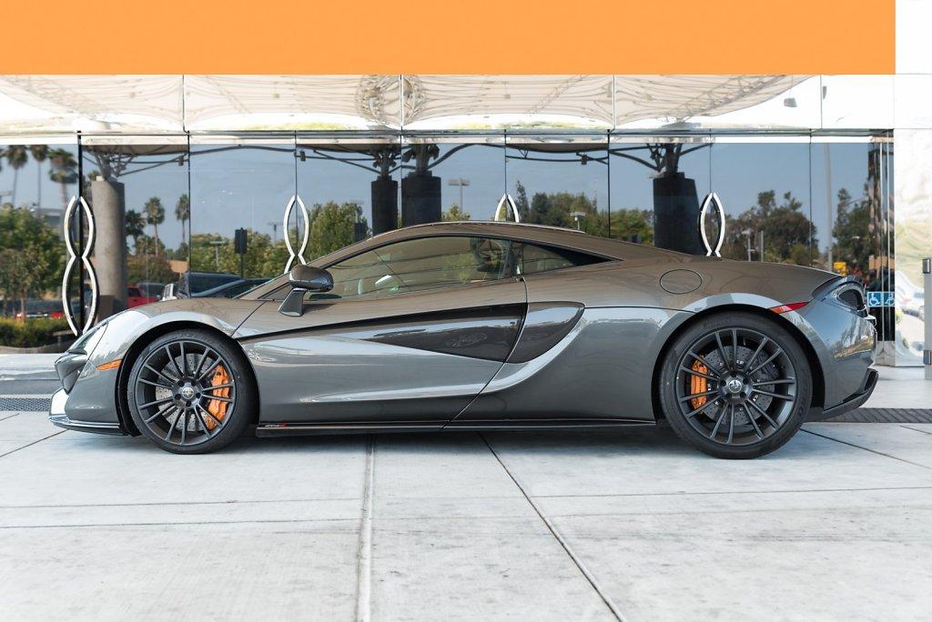 Rent-a-McLaren-570S-from-Club-Sportiva.jpg