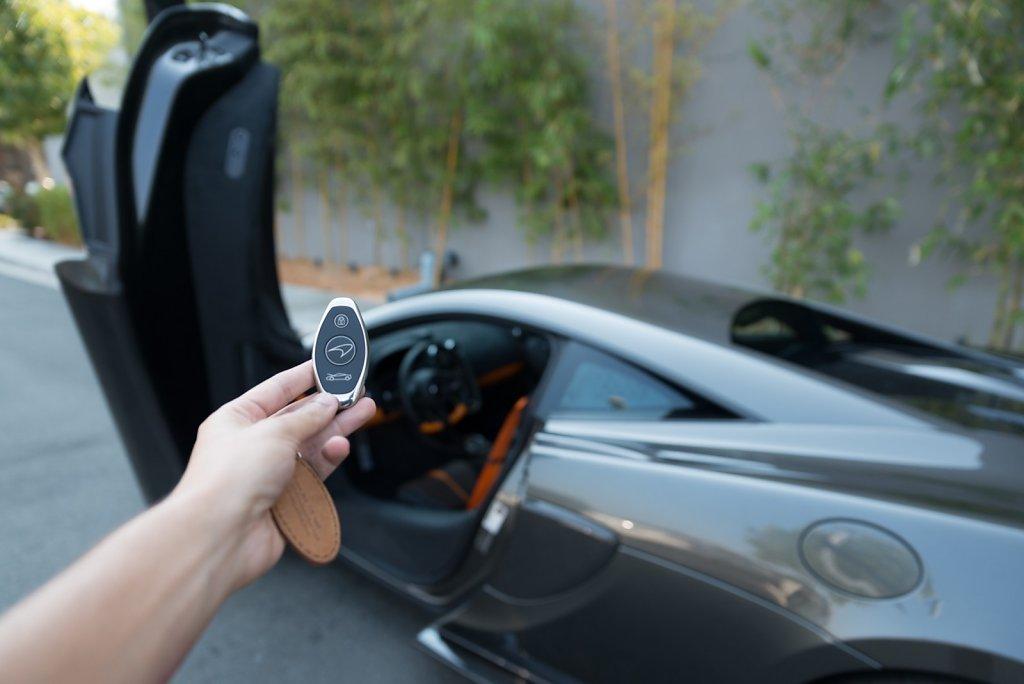 Rent-a-McLaren-570S-from-Club-Sportiva-9.jpg
