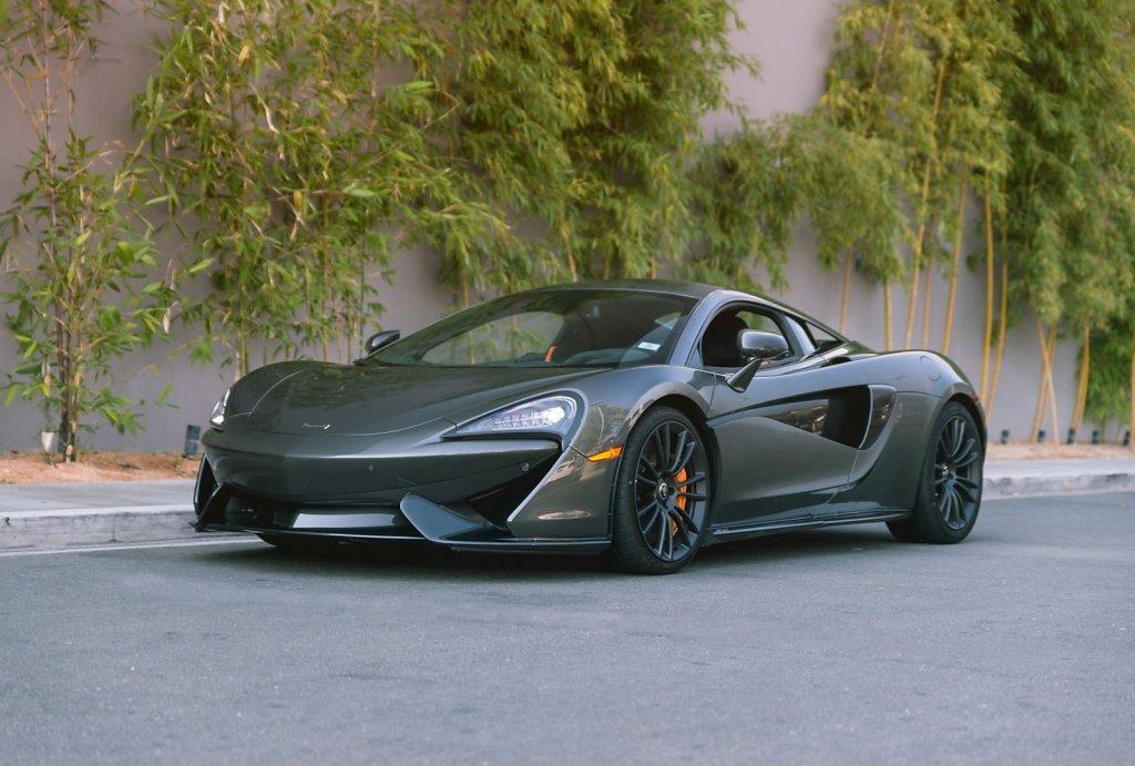 Rent-a-McLaren-570S-from-Club-Sportiva-12.jpg