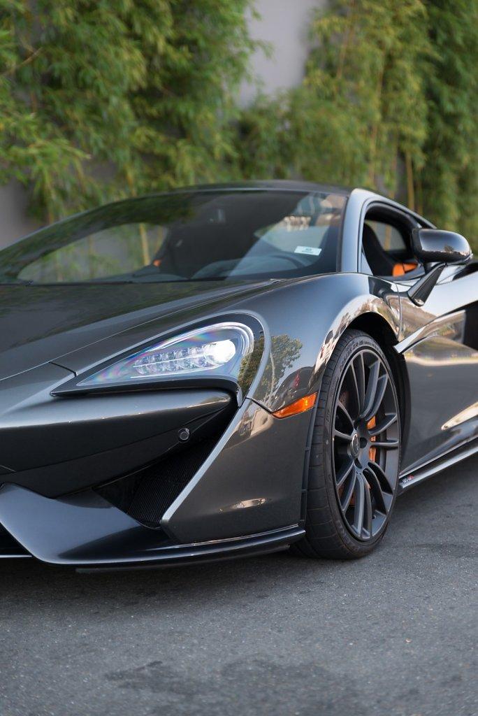 Rent-a-McLaren-570S-from-Club-Sportiva-13.jpg