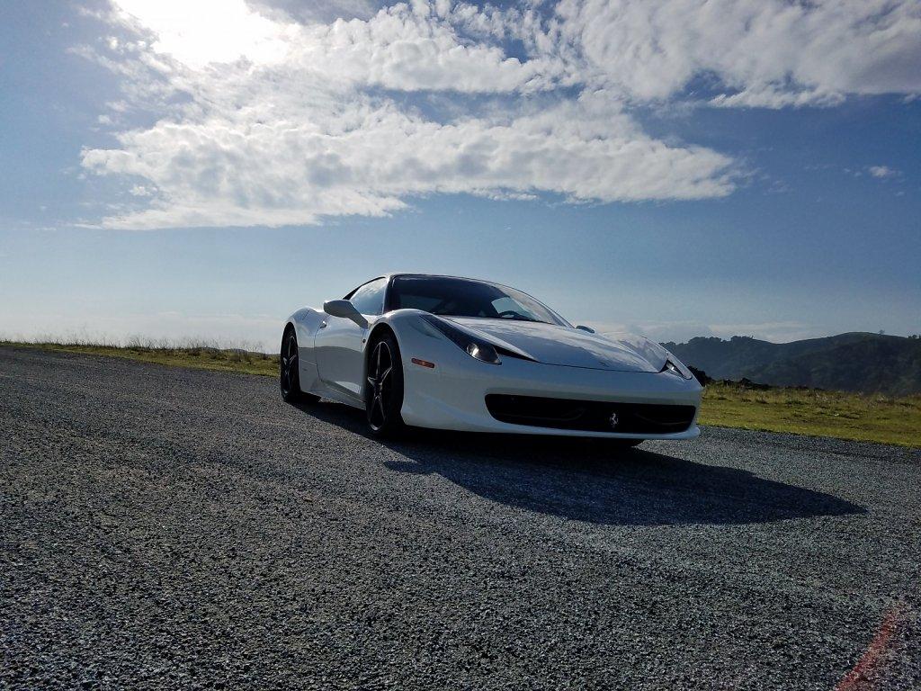 Club-Sportiva-Ferrari-458-Italia-White-Coupe-1.jpg
