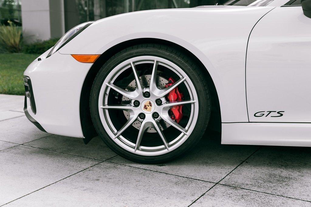 Club-Sportiva-Porsche-Cayman-GTS-Rental-1.jpg