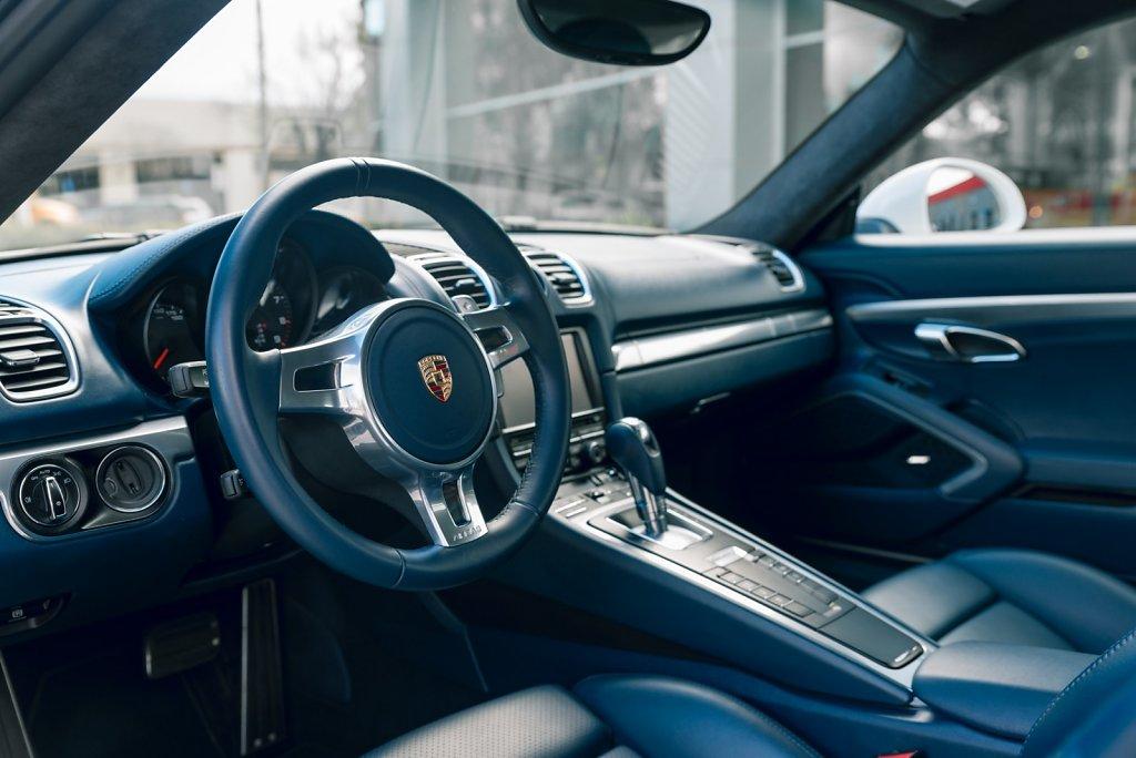 Club-Sportiva-Porsche-Cayman-GTS-Rental-3.jpg