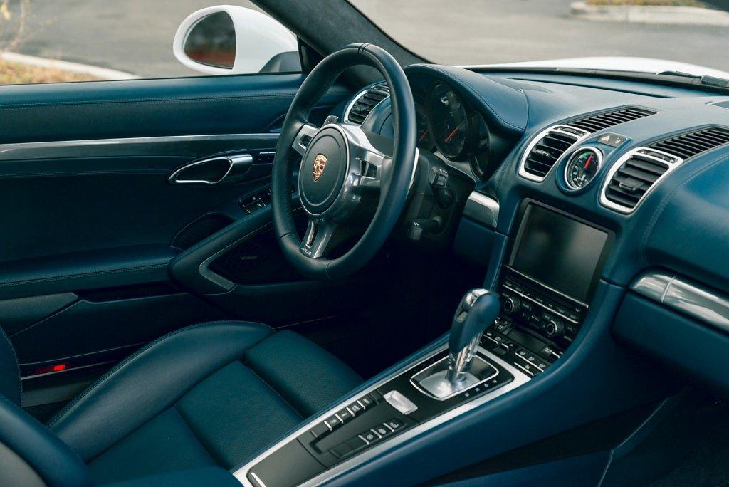 Club-Sportiva-Porsche-Cayman-GTS-Rental-15.jpg