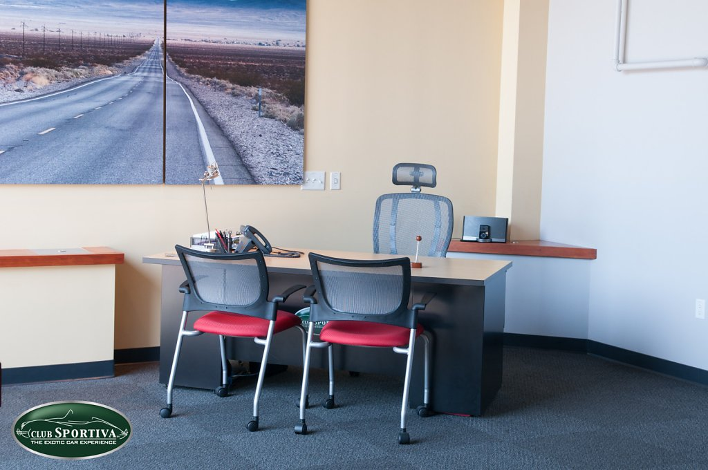 Club-Sportiva-Silicon-Valley-Clubhouse-front-lounge.jpg