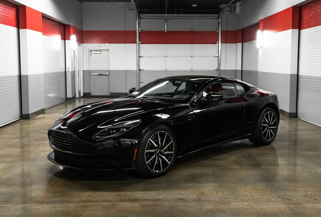 AstonMartin-DB11-Black-Front-ISO-Thumbnail.jpg