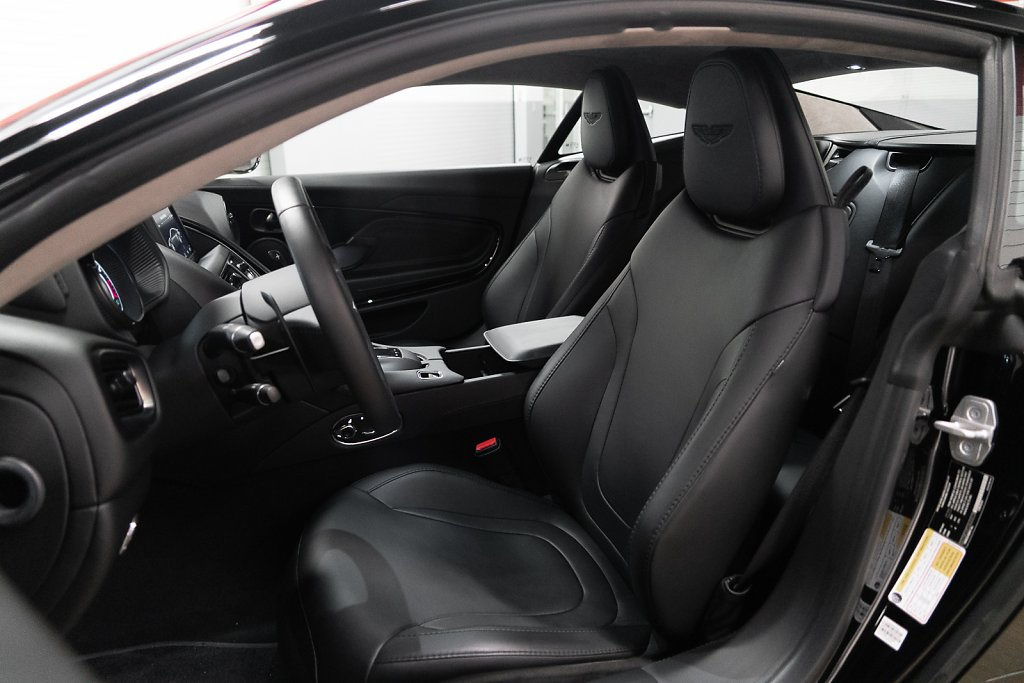 AstonMartin-DB11-Black-Interior-Seats.jpg