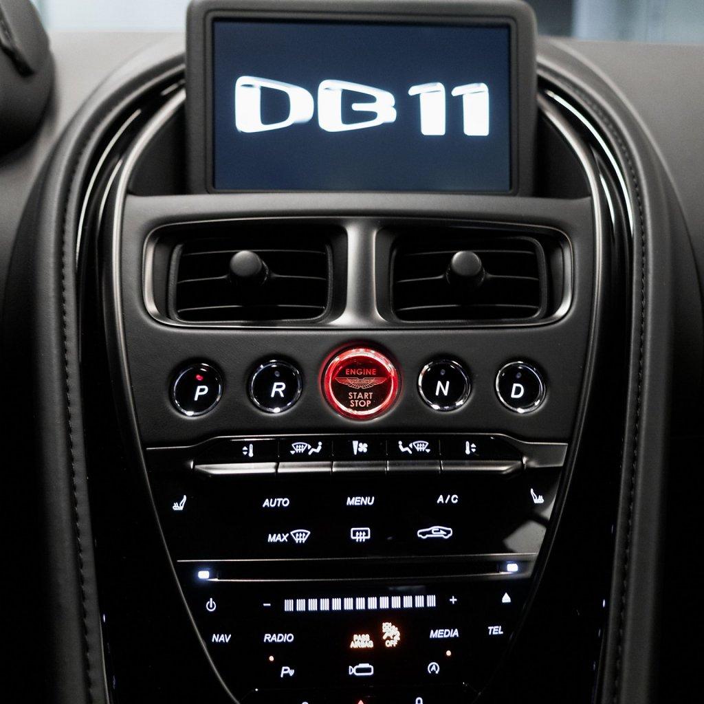 DB11-InstrumentCluster.jpg