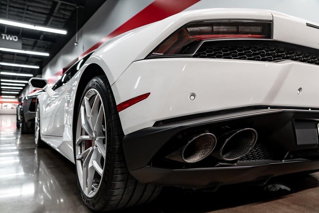 Lamborghini-Huracan-Rear-Taillight.jpg