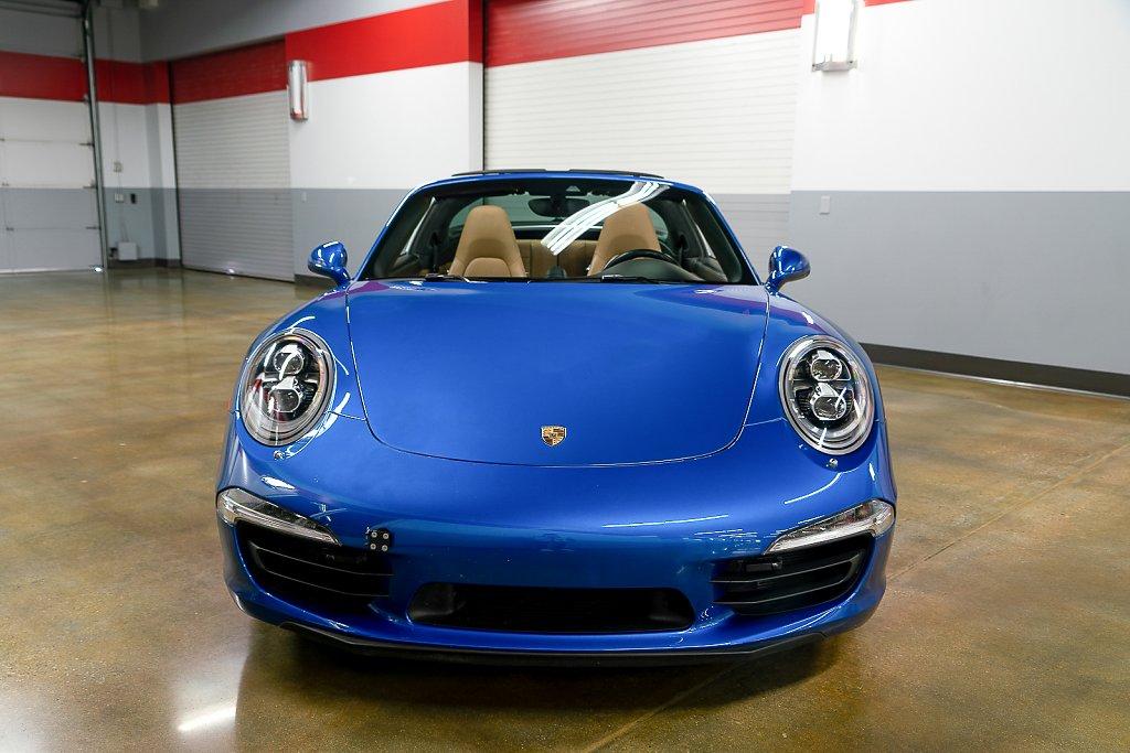 Porsche-911-Targa4S-Sapphire-Blue-Front.jpg