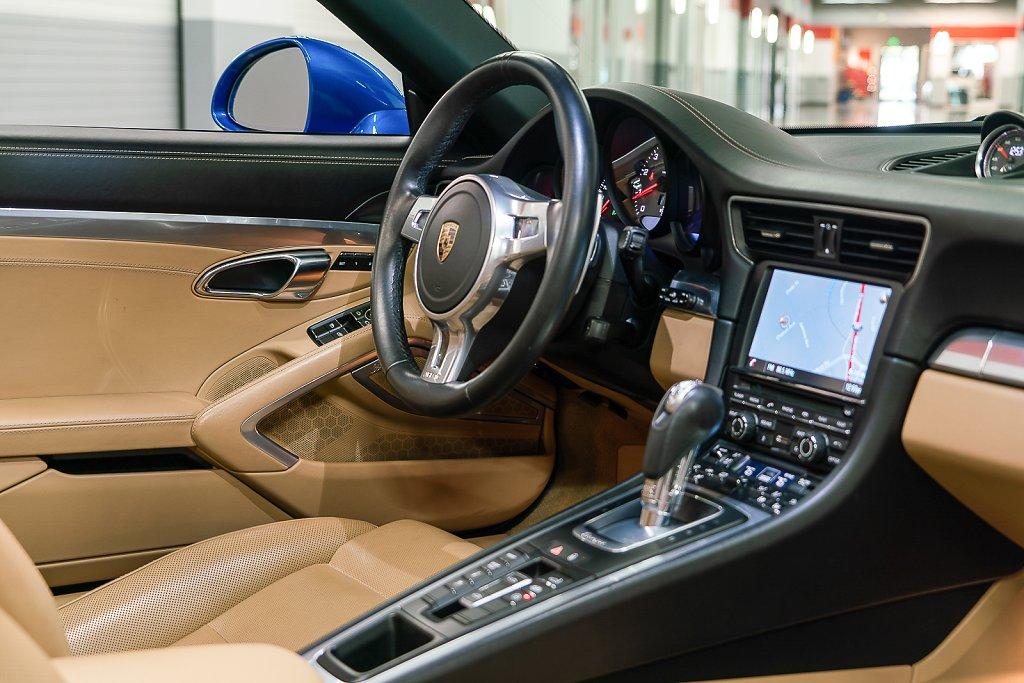 Porsche-911-Targa4S-Sapphire-Blue-PCM-Wheel.jpg