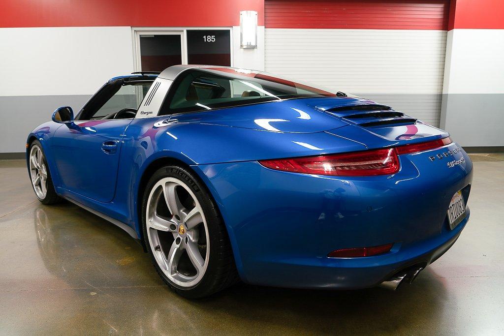 Porsche-911-Targa4S-Sapphire-Blue-RearISO.jpg