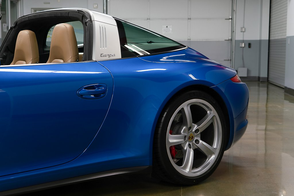 Porsche-911-Targa4S-Sapphire-Blue-Targa1.jpg