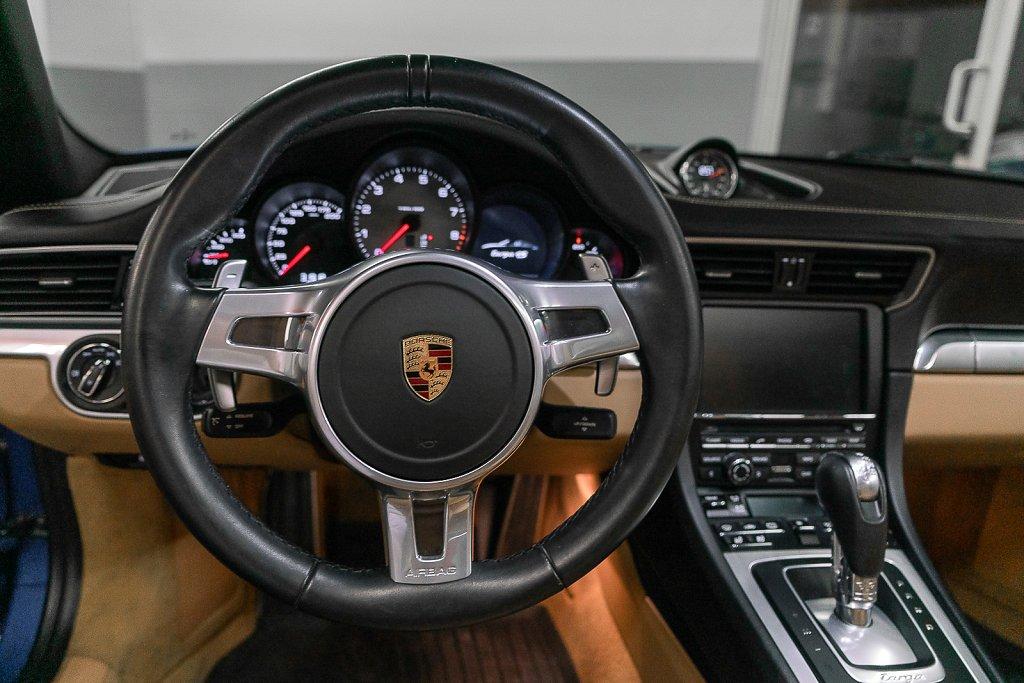 Porsche-911-Targa4S-Sapphire-Blue-Wheel-POV.jpg